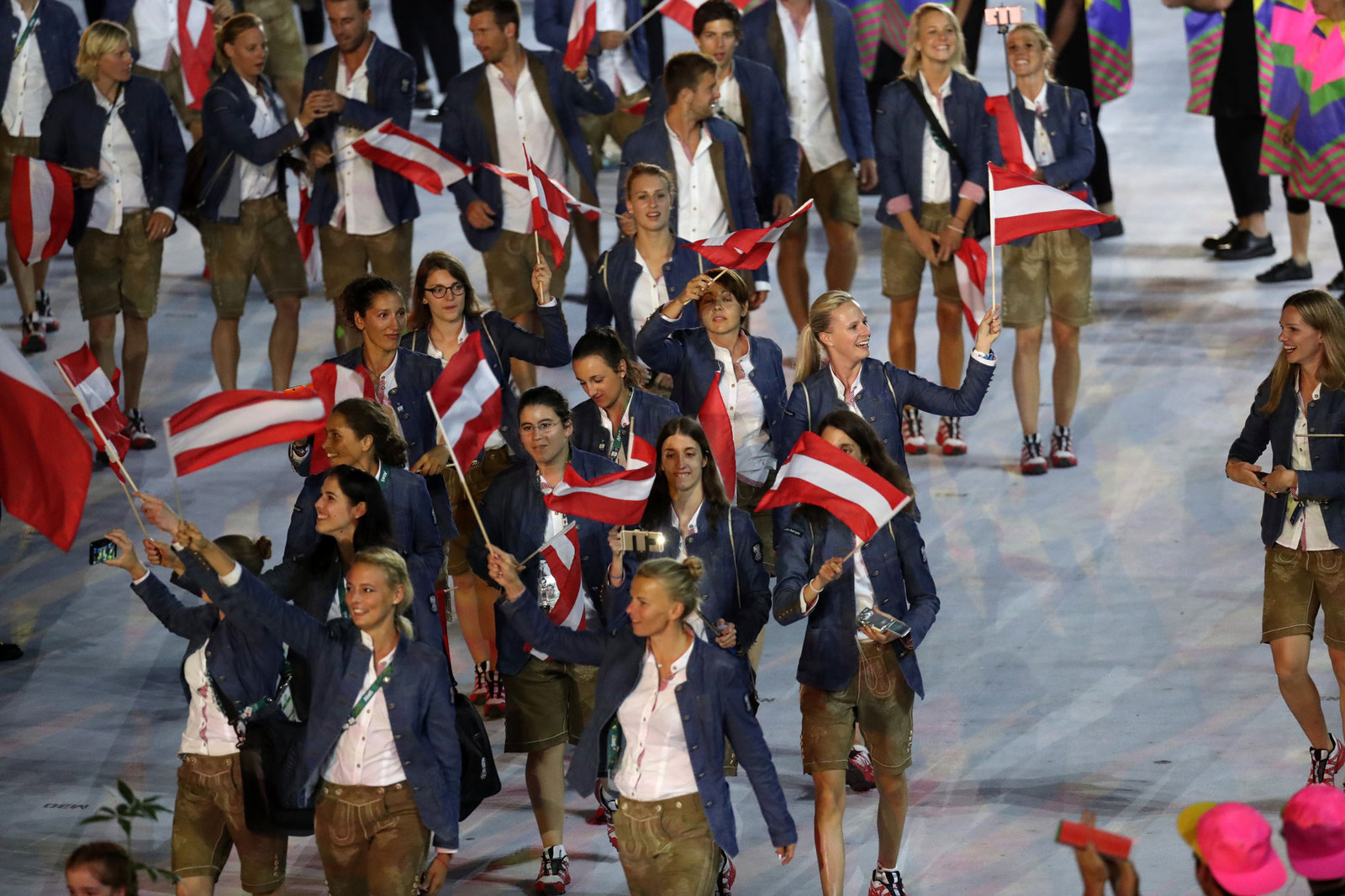Австрийская делегация на параде атлетов