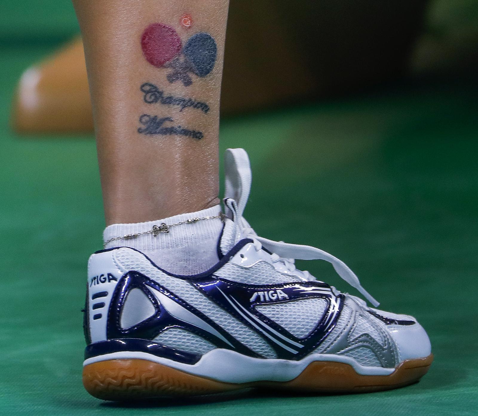 Татуировка на ноге спортсменки Марианы Саакян