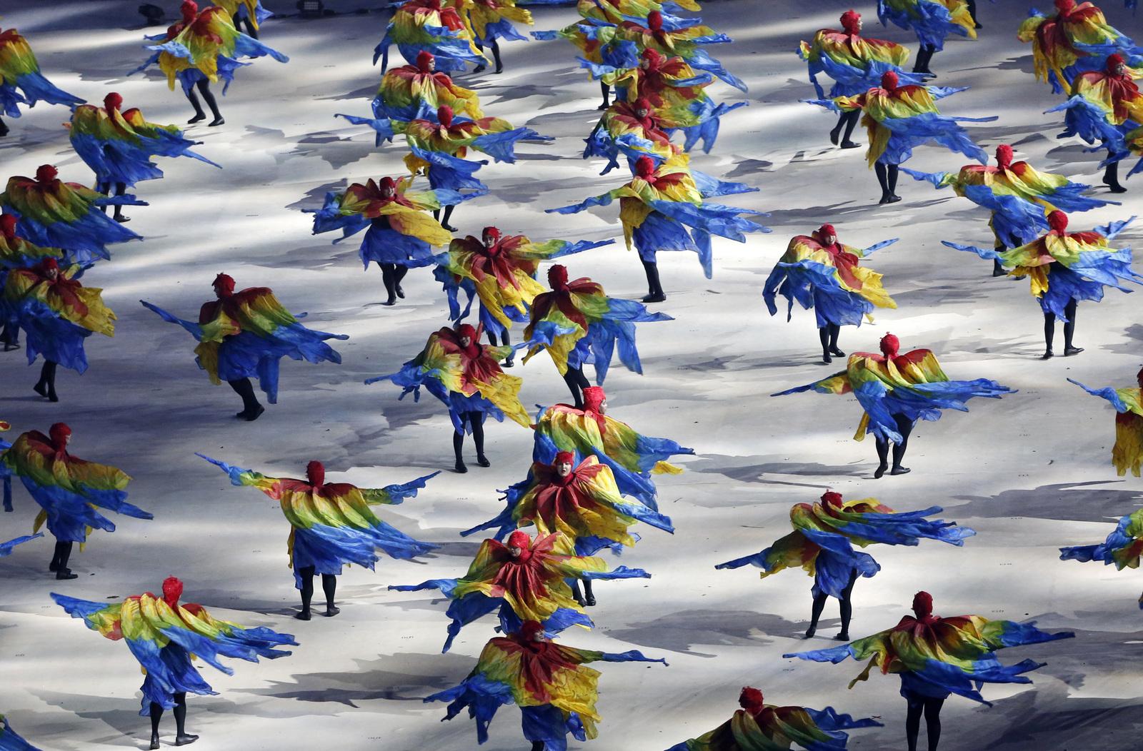 Один из танцев в начале церемонии закрытия олимпийских игр в Рио