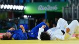 Венгерка Абигель Йоо и японка Мами Умеки отдыхают после схватки