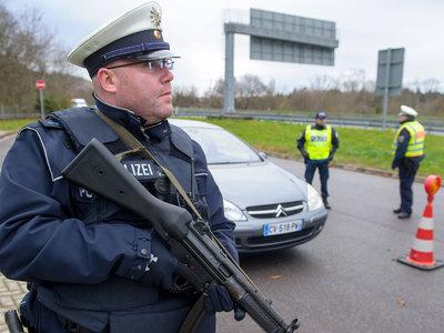 В Германии со стрельбой захватили банк