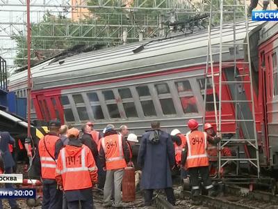Виноват стрелочник: из-за чего столкнулись поезд и электричка на Курском?