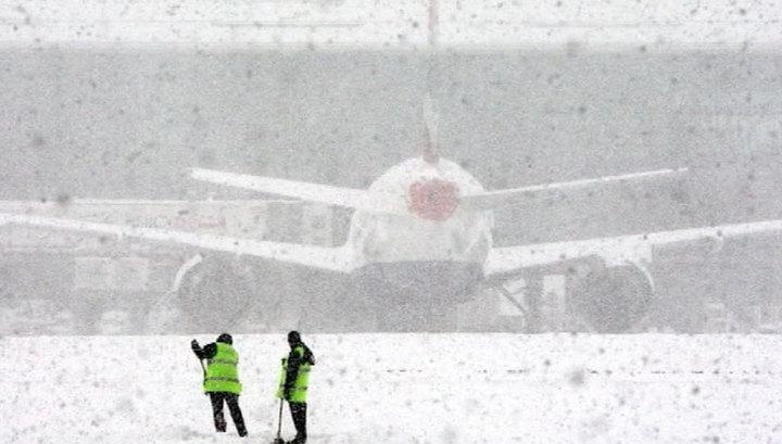 В аэропортах Москвы задержаны более 70 рейсов, еще 31 отменен