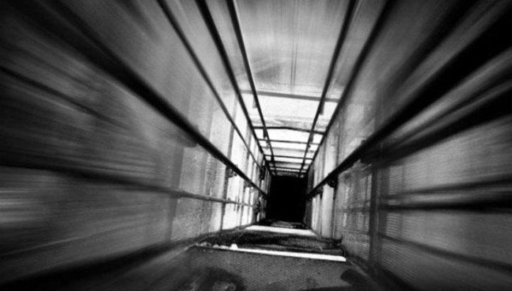 Мужчина погиб, упав в шахту лифта на востоке Москвы