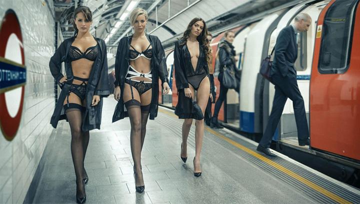 голая модели в нижнем белье устроили уличный показ мод