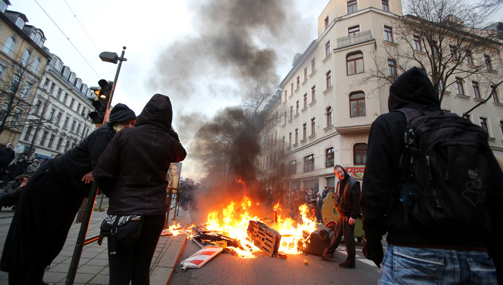 На митинге в Лейпциге напали на продюсера RT