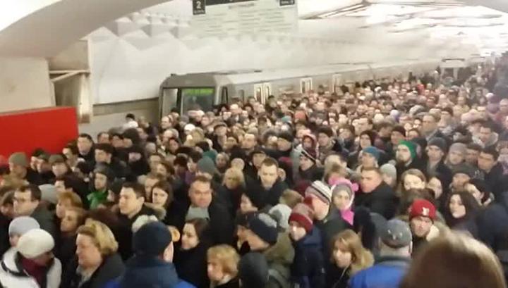 Смотреть секс в давке метро