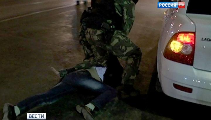 Под Новосибирском коллекторы изнасиловали должницу в ее квартире Xw_1255823