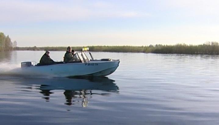перемещение на лодке во время нереста