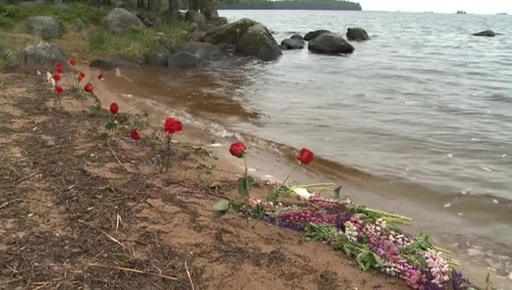 15 августа 2016 Семья в красноярском озере утонула на глазах у очевидцев Xw_1269953