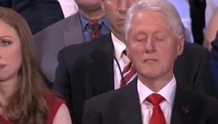 во время секса жена ласкает клинтон