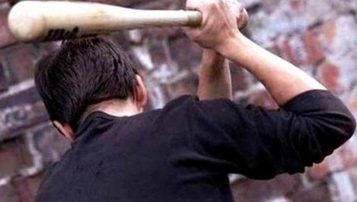 Жестокое нападение на женщину совершили подростки в Арсеньеве