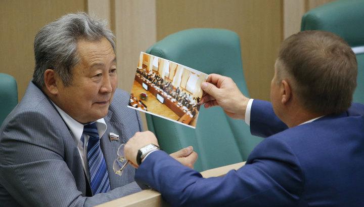 Сенатор от Бурятии Арнольд Тулохонов лишится должности ради науки