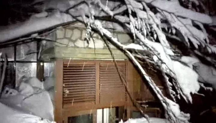30 погибших: спасатели начали раскапывать засыпанный отель