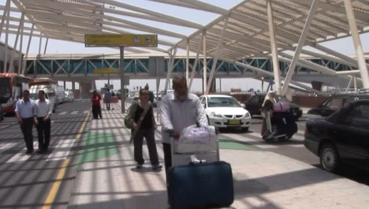 Самолет экстренно сел в Каире из-за больного пассажира