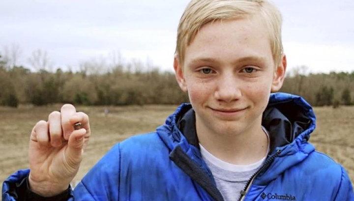 """В США подросток нашел крупный алмаз в парке """"Кратер алмазов"""""""