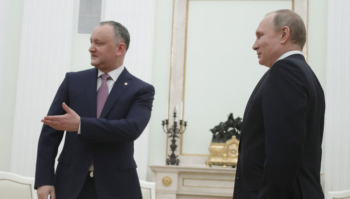 Додон привёз Путину его же вино
