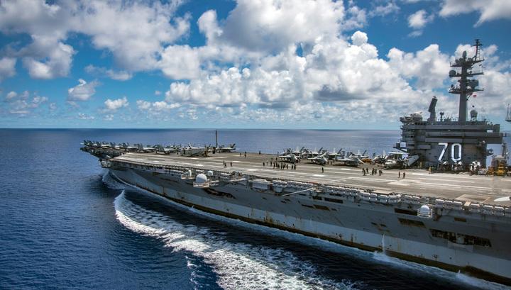 Минобороны Японии: ударная группировка американских кораблей вошла в Японское море
