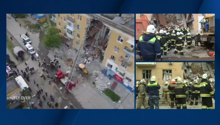 Еще двоих погибших ищут под завалами в Волгограде