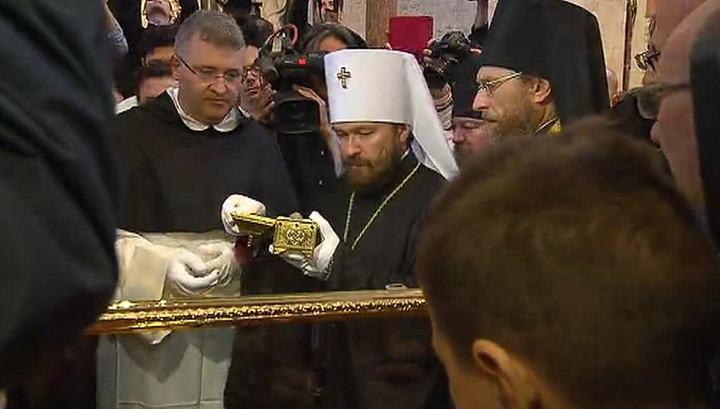 Картинки по запросу митрополит иларион увозит мощи святителя николая