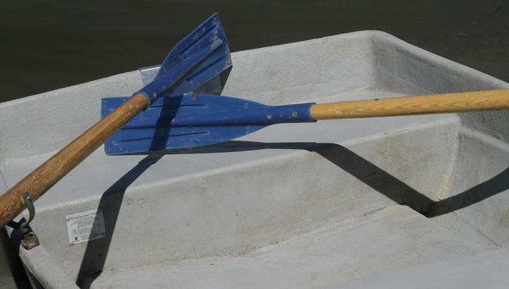 На Ладожском озере перевернулась лодка с подростками: есть погибшие