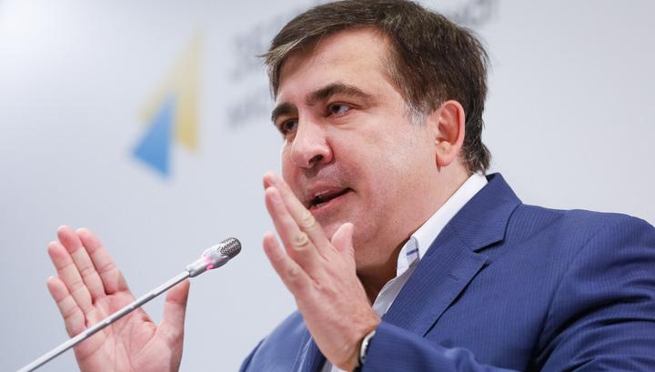 """Саакашвили решил освободить Украину от """"молдавских и донецких олигархов"""""""