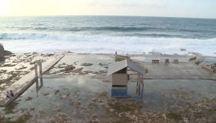 """""""Мария"""" утихает: жители Доминики лишились всего, что можно купить за деньги"""