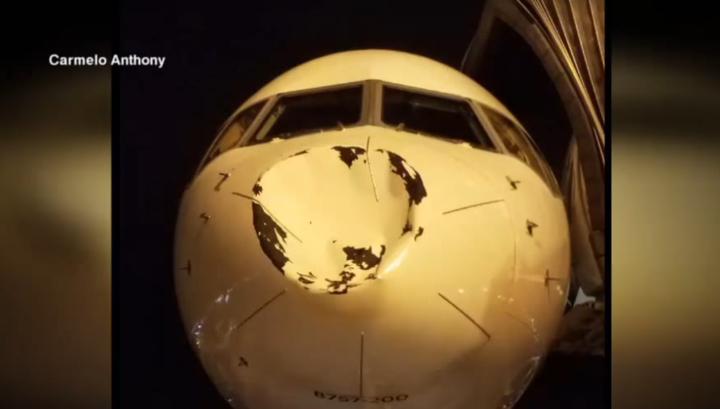 Самолет с баскетболистами NBA приземлился с огромной вмятиной в носу