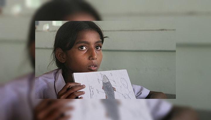 Секс издевательства девочек над мальчиком фото 133-810