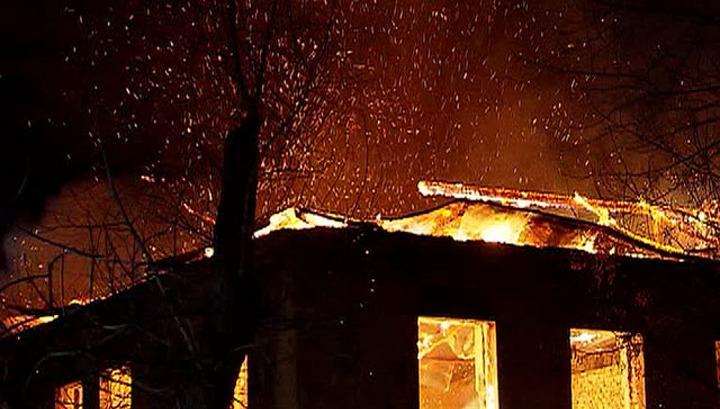 У Нижньосірогозькому районі горіла покинута будівля