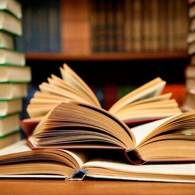 Люди, детство которых было проведено среди книг, зарабатывают больше