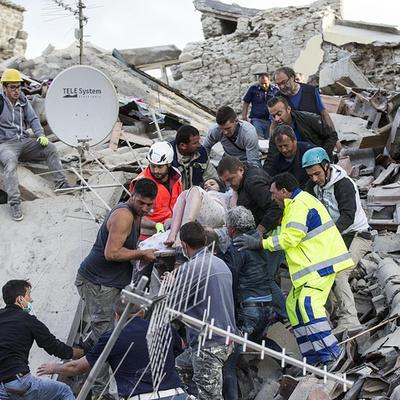 В Италии проходят похороны жертв землетрясения
