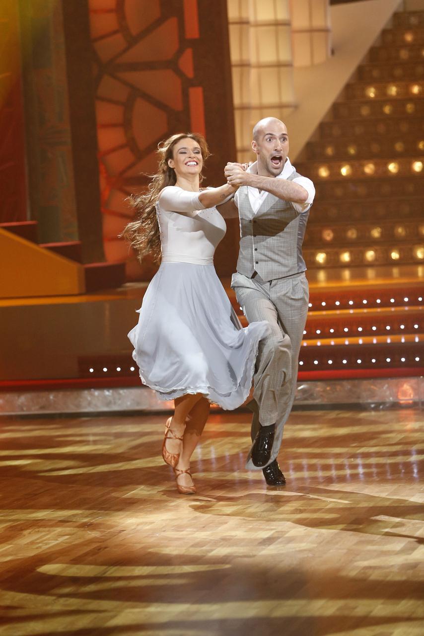 Танцы со звездами алена водонаева и евгений папунаишвили 17 фотография