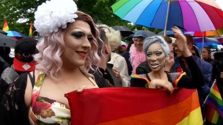 Видео немецких геев фото 243-25