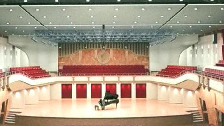 Балкон в концертном зале..