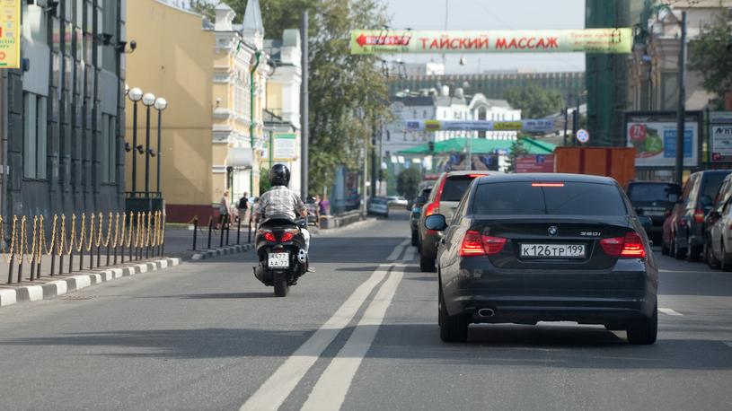 В России хотят отменить лишение прав за выезд на