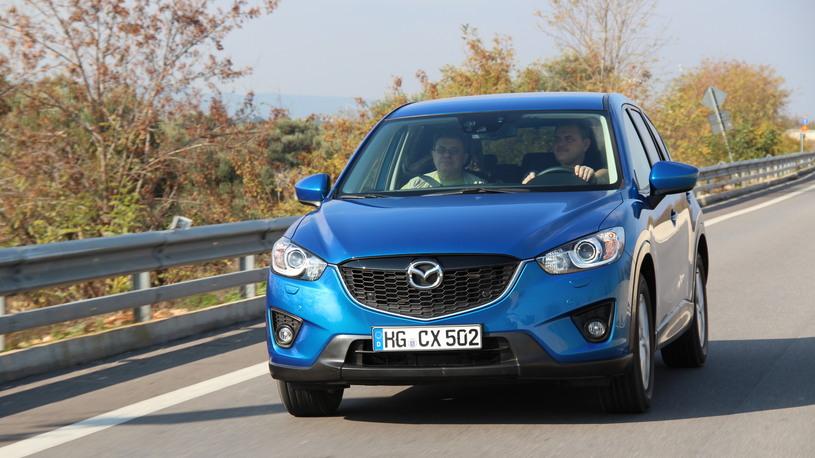 В России нашли почти тысячу автомобилей Mazda с дефектными тормозами