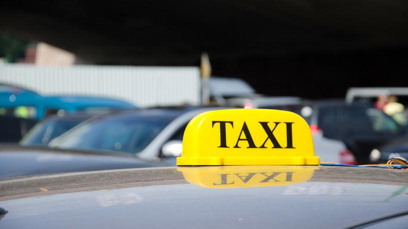 Такси сегодня: кто и на чем нас возит? Взлетят ли цены?