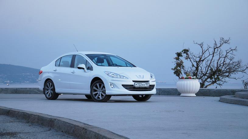 Проверяем дизельный Peugeot 408 черноморскими серпантинами