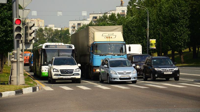 Иностранным водителям придется менять права в России