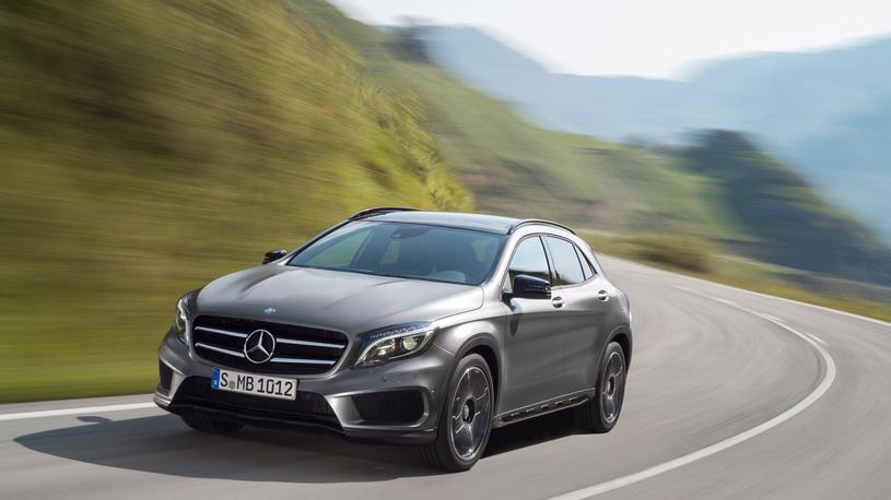 Mercedes отзывает в России почти 25 000 машин (снова подушки)