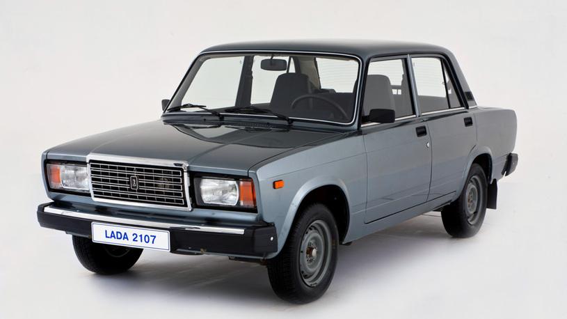 Названы самые распространенные автомобили в России
