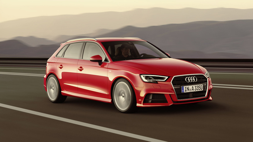 Автомобили Audi отзывают из-за проблем с задним ходом и не только