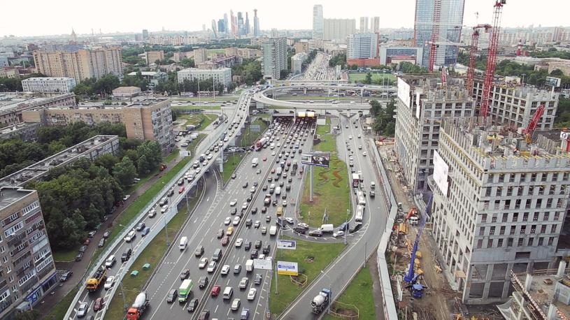 Дорожники рассказали, на сколько быстрее Москва