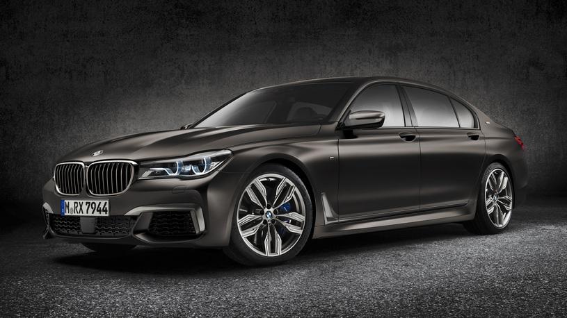 Быстрейший флагман BMW попал под отзыв из-за утечки масла