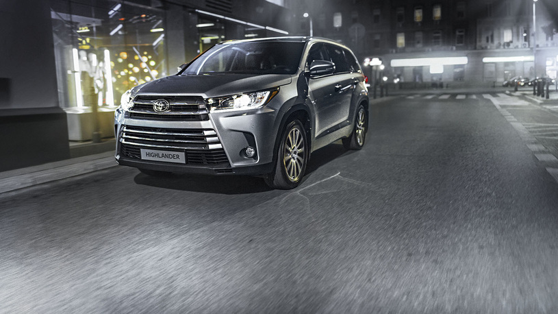 В России отзовут Toyota Highlander из-за перепутанных лампочек