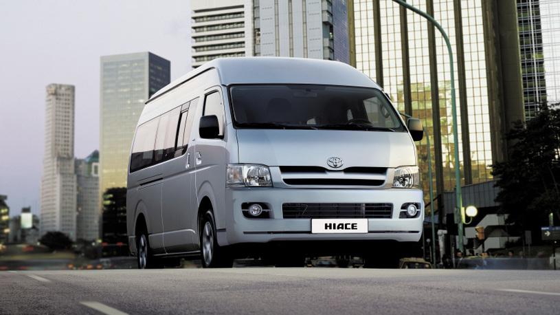 Toyota отзывает в России минивен Hiace на ремонт двигателя