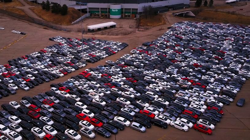 В США массово разворовывают - Фольксвагены - с автомобильного кладбища
