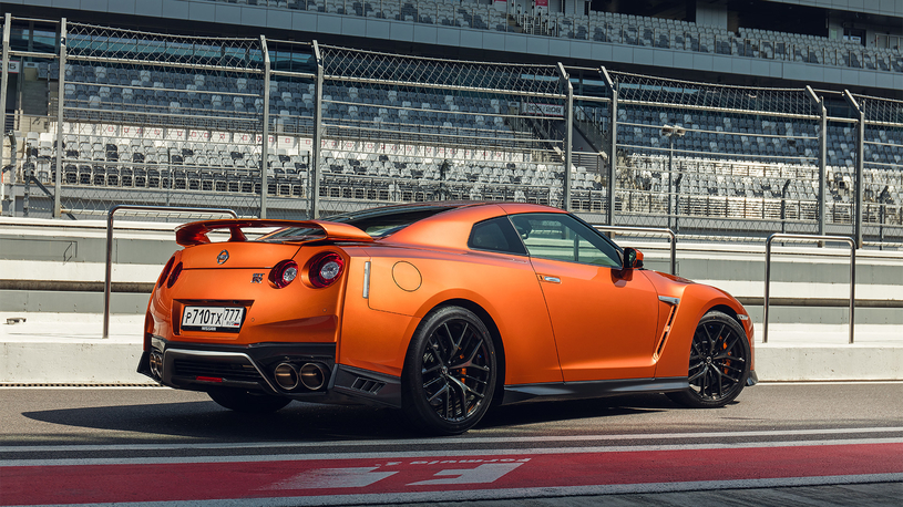 Посчитали-прослезились: карбоновый диффузор Nissan GT-R