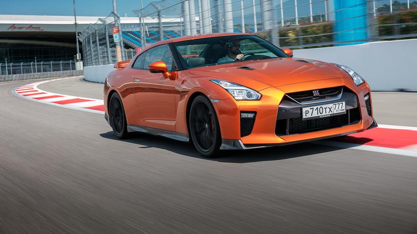 Тест-драйв обновленного Nissan GT-R: